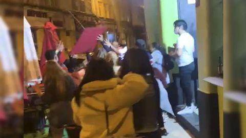 Los asistentes a una fiesta ilegal en Lugo se enfrentan a Policía Local y Nacional
