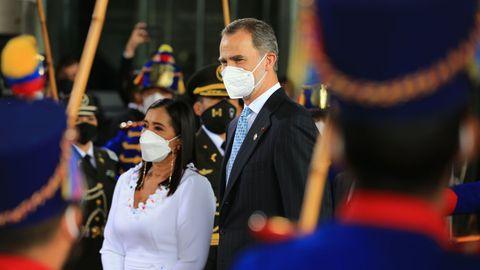 Felipe VI fue recibido por la presidenta de la Asamblea Nacional de Ecuador, Guadalupe Llori.