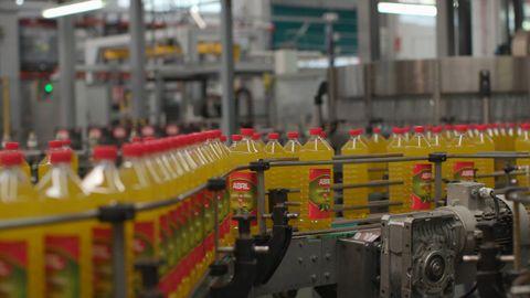 Fábrica de embotellado de Aceites Abril, en San Cibrao das Viñas