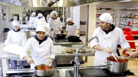 Foto de archivo del aula de cocina en el CIFP Manuel Antonio, de Vigo
