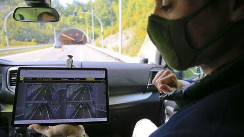 El conductor recibe la información a través de una aplicación dentro del coche