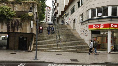 Escaleras de Progreso hacia la rúa Concello