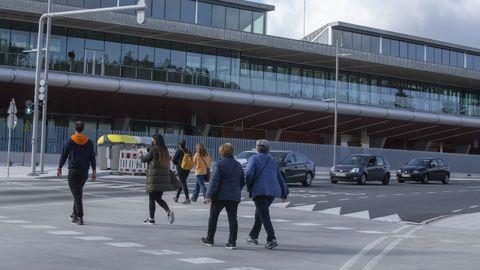 La apertura de la pasarela peatonal de la intermodal ha incrementado el paso de viandantes que cruzan Clara Campoamor