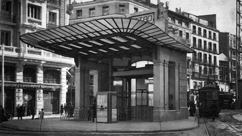 El templete original en la salida del metro de Gran Vía