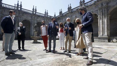 Visita al claustro de la Catedral de Lugo del conselleiro de Cultura