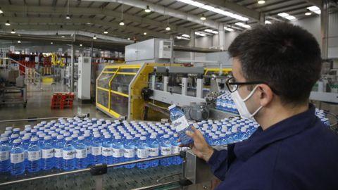 Fontecelta, con su planta en Sarria, exportó en el 2018 a países como las Antillas Holandesas o Senegal