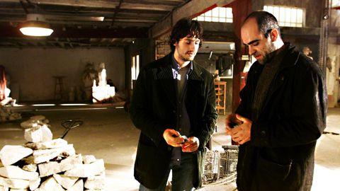 Os actores Juan Diego Botto e Luis Tosar na rodaxe de «Trece badaladas» no 2002