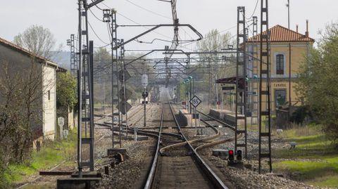 Vías de la línea ferroviaria Monforte-Ourense a la altura de Canaval