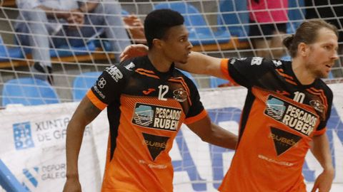 Matamoros felicita al 12 naranja por su gol al Palma