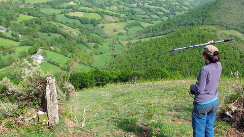 Localización de murciélagos con radiotransmisores en una investigación realizada por la asociación Drosera en la sierra de O Courel y otras partes de la montaña lucense, en una foto de archivo