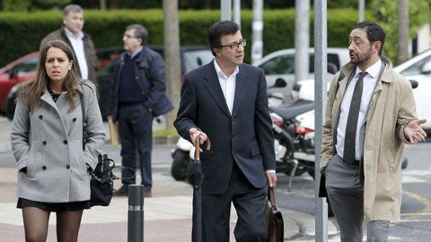 Fernández Pulpeiro entrando a los juzgados de Lugo