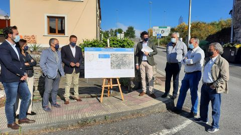 El delegado de la Xunta en Lugo con ediles del PP y la federación vecinal de Lugo