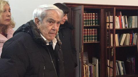 Jorge Cela Trulock en un acto en la biblioteca en homenaje a José Cela en Triacastela en el 2018