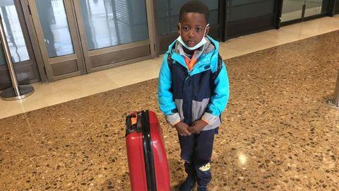Henri Jesús, el niño senegalés que llega a Ferrol para que le operen los ojos