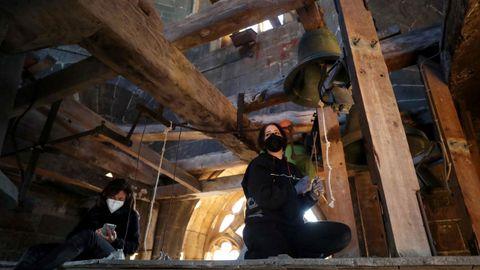 Siete campanas ubicadas en edificios emblemáticos del casco histórico de Oviedo han tañido en un concierto prólogo de la primera Semana Profesional de las Artes de la capital asturiana