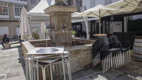 Fuente Catro Canos en la plaza Maura de A Pobra