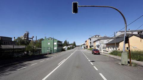 Carretera LU-546 a su paso por Oural, en Sarria, por donde Carlos López estaba realizando la ruta en bicicleta con sus compañeros