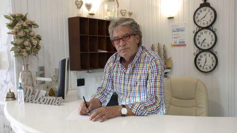 Julio Piñón dirige el Hotel América de Ultramar, donde las reservas para julio y agosto se han disparado en los últimos días