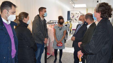 Visita del presidente de la Diputación a un comercio adherido al Bono Impulso