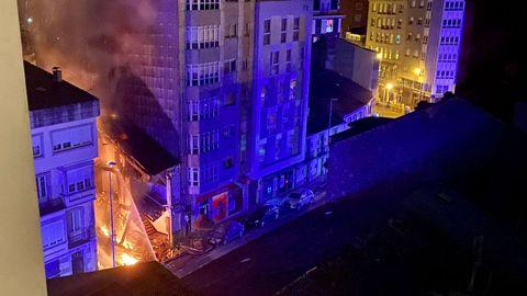 Incendio en la Rúa Pravia, en Vilalba