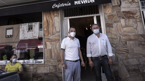 Amable Fernández, con un nuevo hostelero instalado en Manzaneda