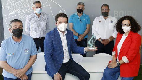 Manuel Fajardo, Ramón Ares, José Ramón Romero, Marcos Fajardo, Manuel Villaverde y Margarita Hermo, en la presentación de la competición