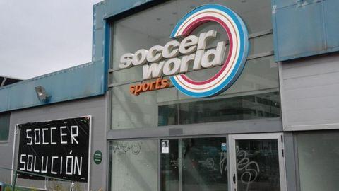 Cartel en las instalaciones de Soccer World