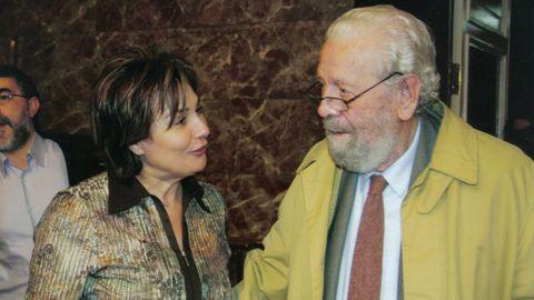 Nora Sola, junto a García Berlanga en el Teatro Principal de Ourense