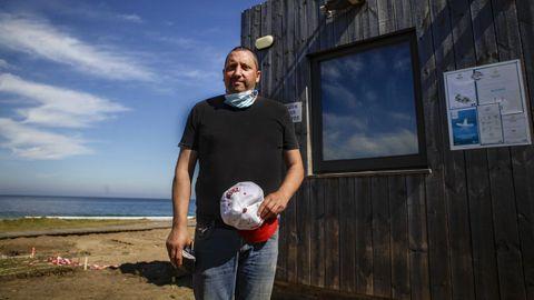 Manuel Tomé prepara la apertura del chiringuito de As Furnas y busca cocinero