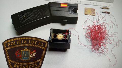 La Policía Local de Betanzos requisó la pistola táser al agresor