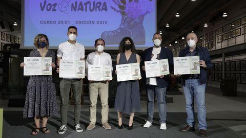 Los profesores de los seis centros premiados en los premios Voz Natura 2020-2012.