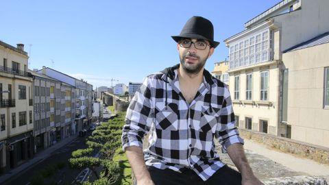 El palestino de 21 años, Hamdi Jafarawi, en el centro de la ciudad de Lugo