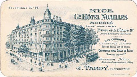 Una postal del Hôtel Noaills de Niza (que sigue existiendo en el mismo sitio y con el mismo nombre), lugar donde probablemente el combatiente Max Brings (Alfred Woiznik) colocó una bomba contra los invasores alemanes en 1943