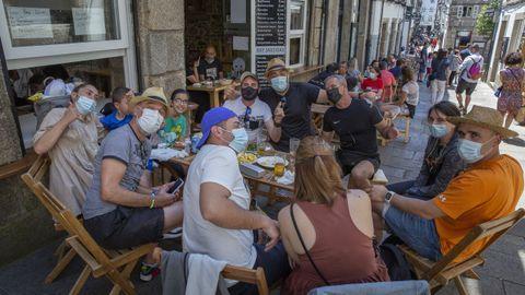 Grupo en una terraza de Santiago