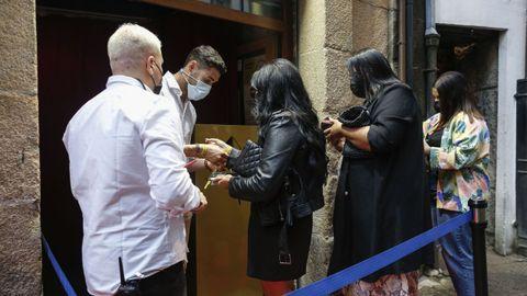 El Pub Keops recibió a una treintena de clientes con prueba negativa del virus