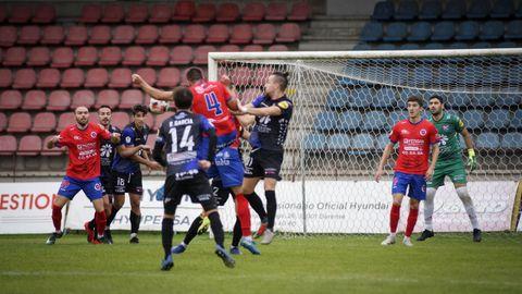 Imagen del último partido que enfrentó a ambos clubes en O Couto