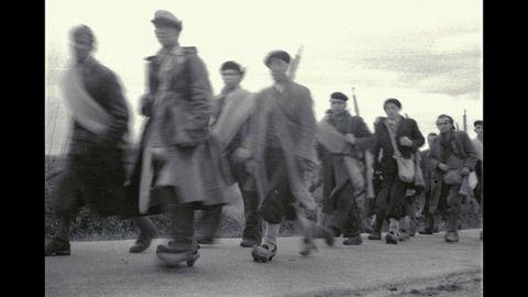 Las imágenes de Suárez revelan detalles cotidianos de la vida en guerra en 1937