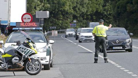 Control de alcohol y drogas en la carretera N-550 en Pontevedra.