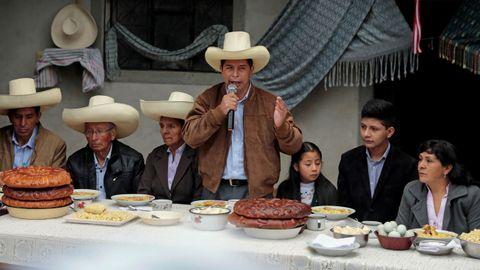 Pedro Castillo, con su familia el pasado 6 de junio