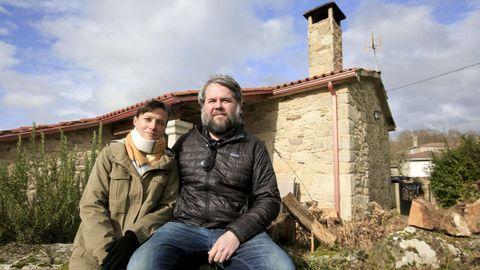 Jason y Judith, una pareja de norteamericanos que se instaló el pasado año en una aldea de Palas de Rei