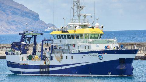 El Ángeles Alvariño, zarpando del puerto de Santa Cruz de Tenerife con rumbo a la zona de búsqueda