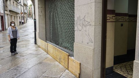 Uno de los bajos afectados tras la inundaciones del miércoles en Ourense