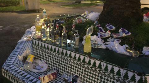 Restos de botellón en los jardines de Méndez Núñez de A Coruña en una imagen de archivo