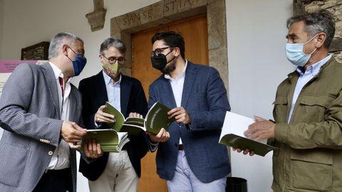 A publicación que recupera o texto inédito de Neira Vilas foi presentada este xoves en Santiago.