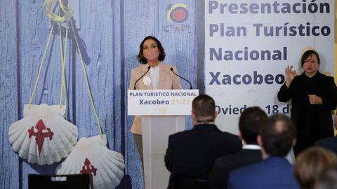 La ministra de Industria, Comercio y Turismo, Reyes Maroto, durante la presentación este viernes en Oviedo del Plan Turístico Nacional Xacobeo