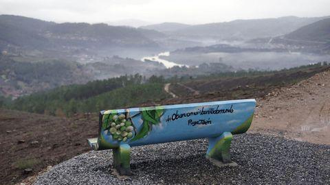 Miradoiro de Toén con vistas ao río Miño