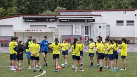 Las futbolistas durante un entrenamiento