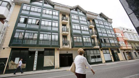 Terras do Ortegal sugiere destinar a albergue el bajo de este edificio, propiedad del Concello