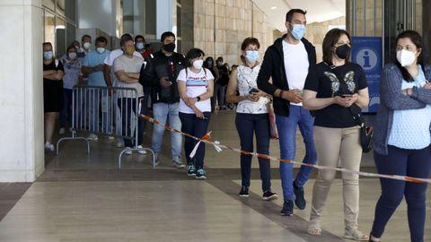 Vacunaciones masivas en Santiago contra el covid-19
