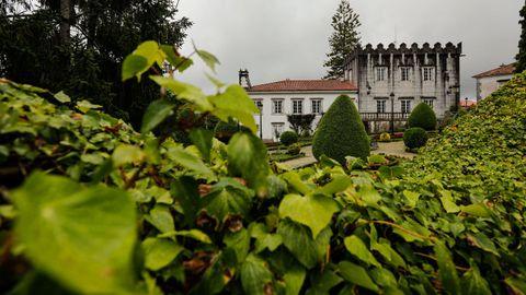 Este inmueble tipo pazo se vende por 3.800.000 euros en Armuño, Berdondo.